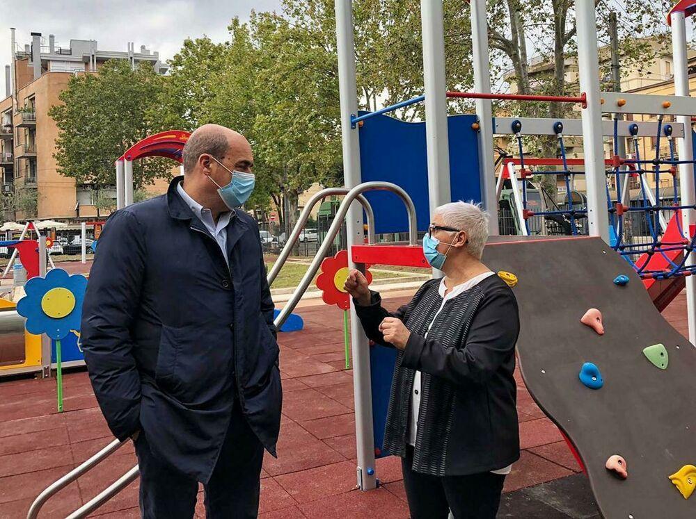 Il presidente della Regione Lazio Nicola Zingaretti e la presidente della Rete impresa Castani Monica Paba